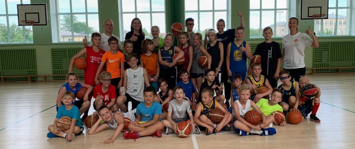 Noslēgusies dienas basketbola nometne